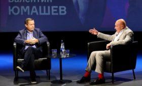 Юмашев рассказал о разговоре с Путиным о слежке за Явлинским