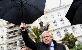 Опросы предсказали Борису Джонсону уверенную победу на выборах