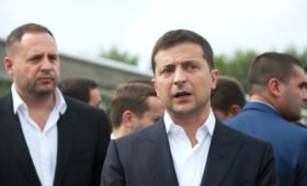 Зеленский пообещал вернуть оборудование на прибывшие из России корабли