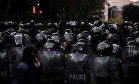 Грузинская полиция применила водометы против митингующих в Тбилиси