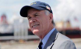Главком ВМС США отказался следовать указаниям Трампа о морском пехотинце