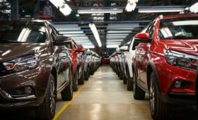 Дилеры предупредили о падении продаж машин в России в 2020 году