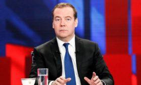 Медведев рассказал об ожиданиях от Зеленского
