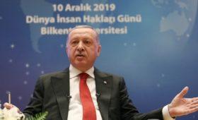 Эрдоган обвинил Россию и США в нарушении договоренностей по курдам
