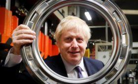 Экзитполы предсказали победу Борису Джонсону на парламентских выборах