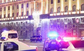 Кремль назвал стрельбу на Лубянке проявлением безумия