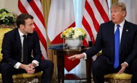 Трамп заявил Макрону о желании поладить с Россией