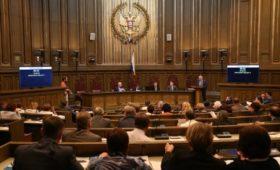 Верховный суд назвал несправедливым отказ взыскивать долги с наследников