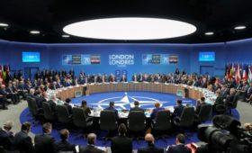 СМИ узнали об идее британского министра сделать Россию членом НАТО