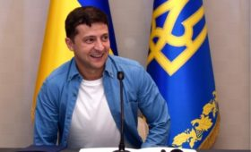 Зеленский ответил шуткой на фразу Путина «а у нас в квартире газ»