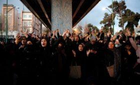 Тегеран опроверг стрельбу по протестующим на акции из-за крушения Boeing