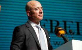 Основатель Amazon спустя год узнал виновника публикации своих личных фото