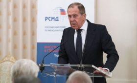 Лавров упрекнул НАТО за игры в космосе и киберпространстве
