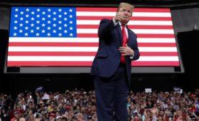 Трамп поддержал «многострадальный народ Ирана» на фарси