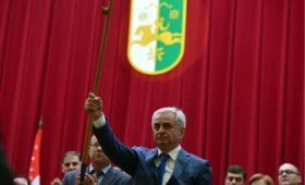Президент Абхазии увидел риск обострения политической  ситуации в стране