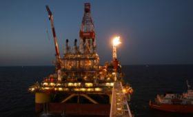 Прогноз на 2020 год: сколько будут стоить нефть и рубль