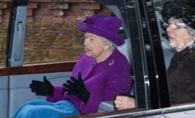 Королева Елизавета II договорилась с принцем Гарри о «переходном периоде»