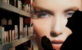 Эксперты оценили потери парфюмеров из-за контрафакта в Сети в $1 млрд