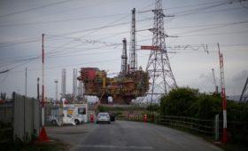 Цена на нефть Brent опустилась ниже $52