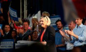Российская компания потребовала от партии Ле Пен вернуть долг по кредиту