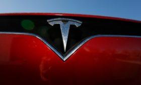Акции Tesla резко подешевели на фоне проблем на заводе в КНР