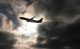 Коронавирус назвали поводом сокращения авиаперевозок впервые за 12 лет