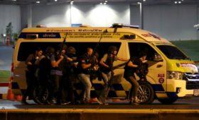 Полиция ликвидировала устроившего стрельбу в Таиланде военного