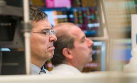 Европейские биржи закрылись падением индексов из-за коронавируса