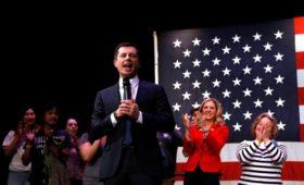 У демократов в США определился победитель прошедших 4 дня назад кокусов
