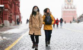 Банки зафиксировали падение трат китайцев в России на 30% из-за вируса