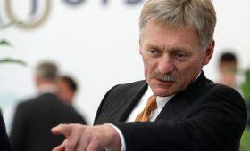 В Кремле прокомментировал цену на нефть фразой «хотелосьбы выше»