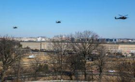 Пентагон временно запретил военным все зарубежные поездки