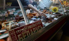Лукашенко сообщил о просьбах из России помочь белорусскими продуктами