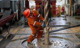 Нефть подешевела более чем на 9%