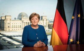 Меркель назвала вирус самым серьезным вызовом со времен Второй мировой