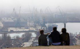 Путин запретил иностранцам и зарубежным компаниям владеть землей в Крыму