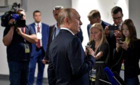 Кремль сократит число сопровождающих Путина в поездках журналистов