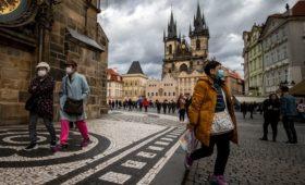 Власти Чехии из-за коронавируса запретили своим гражданам выезд из страны
