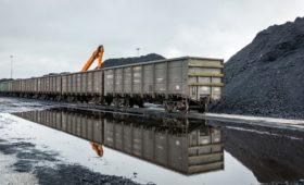 Власти предложили ввести квоты на вывоз угля на Восток