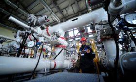 Reuters узнало о согласии Москвы увеличить скидку на нефть для Минска