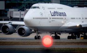 Lufthansa решила сократить программу полетов на 50% из-за коронавируса