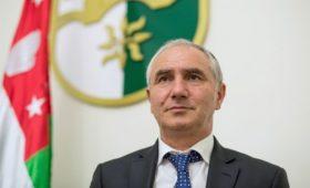 Абхазия потребовала у России расследовать сведения об отравлении политика