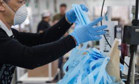 Мусорные операторы заявили об опасности выброшенных медицинских масок
