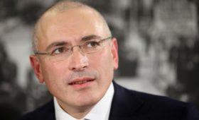 Песков назвал некорректным интервью «Эха Москвы» с Ходорковским