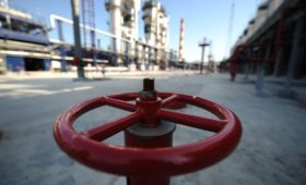 В Белоруссии решили купить в России 2 млн т нефти по $4 за баррель